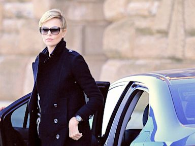 Charlize Theron's Unexpected Relationship With Sean Penn