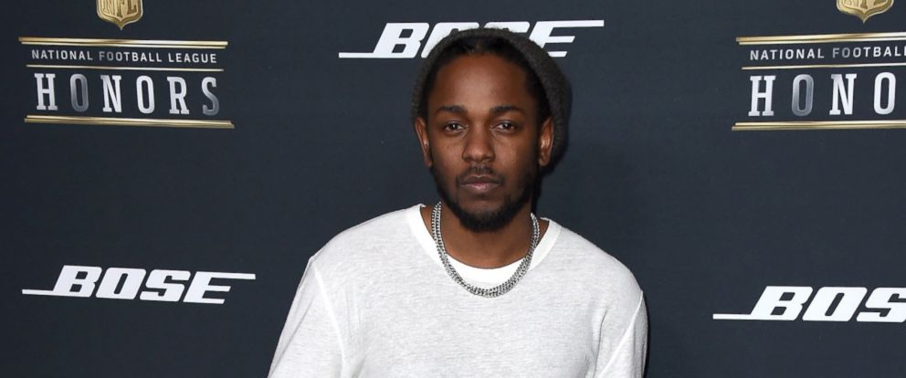 PHOTO: Kendrick Lamar arrives at the 5th annual NFL Honors at the Bill Graham Civic Auditorium on Feb. 6, 2016, in San Francisco.
