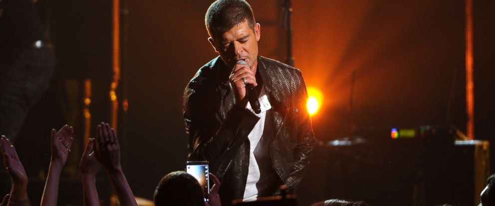 PHOTO: Robin Thicke performs at the Billboard Music Awards at the MGM Grand Garden Arena, May 18, 2014 in Las Vegas.