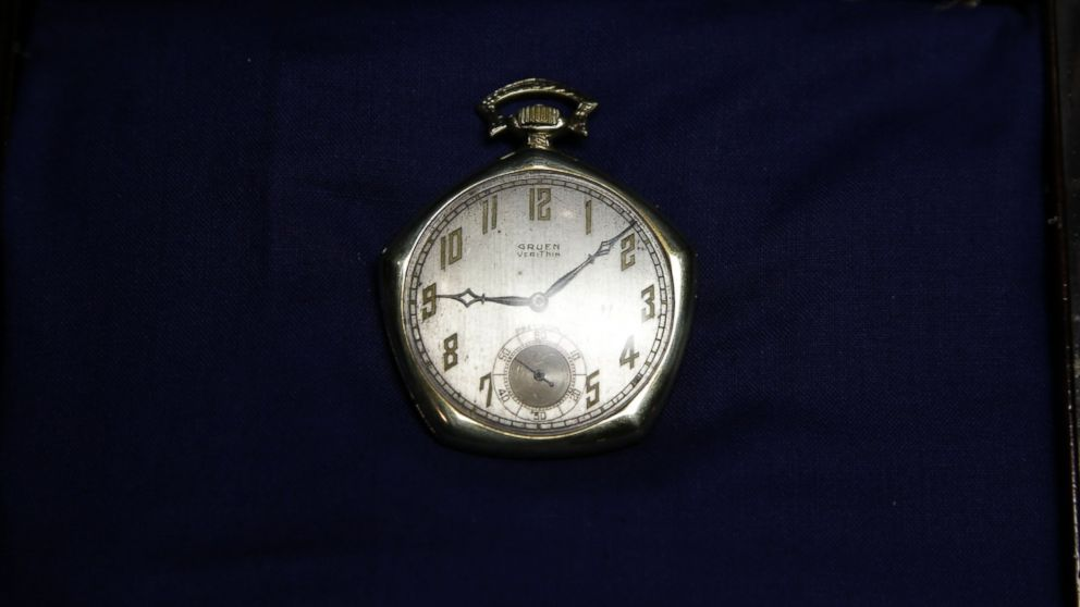 PHOTO: A pocket watch that was given to Babe Ruth in 1923 is displayed at Heritage Auctions office in Dallas, Jan. 22, 2014.