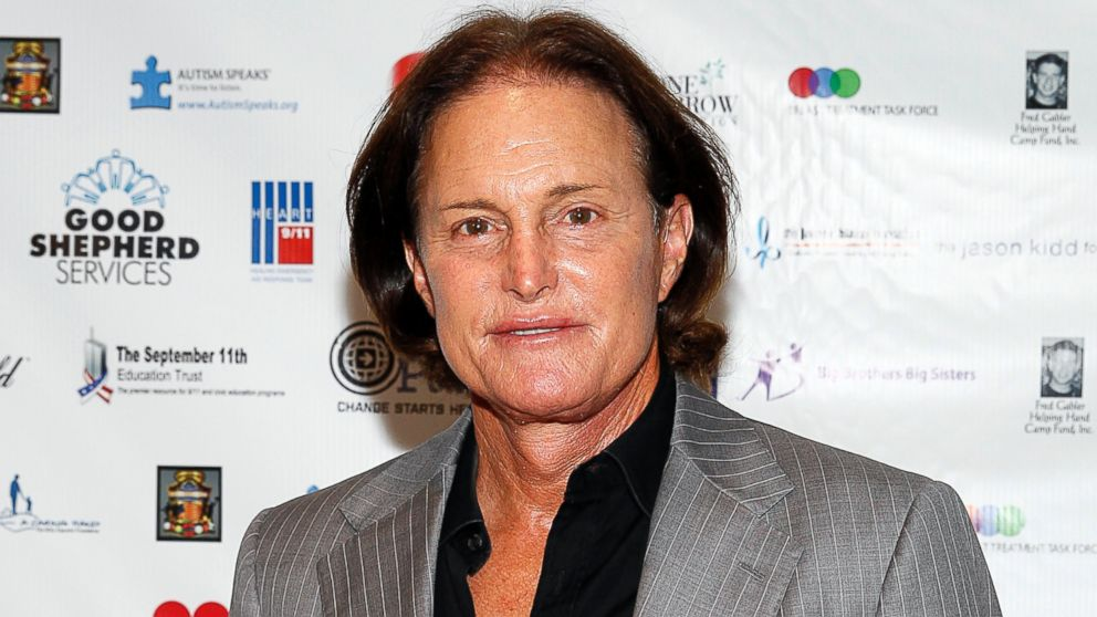 The 67-year old son of father William Jenner and mother Esther Jenner, 188 cm tall Bruce Jenner in 2017 photo