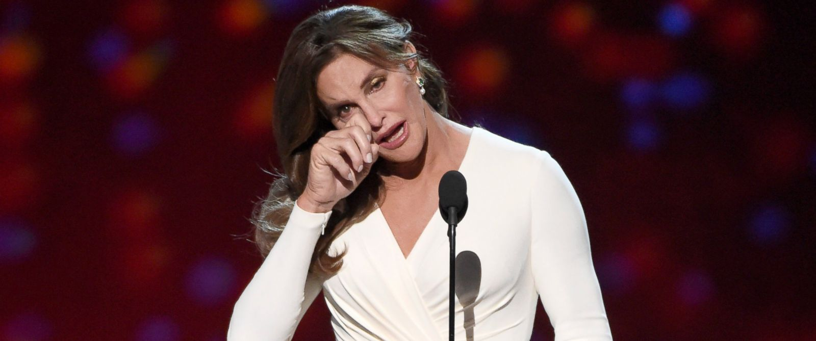 PHOTO: Caitlyn Jenner accepts the Arthur Ashe award for courage at the ESPY Awards at the Microsoft Theater, July 15, 2015, in Los Angeles.