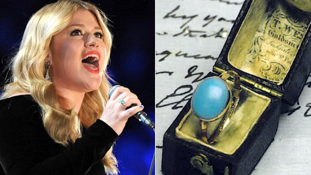 AP kelly clarkson jane austen nt 130802 16x9 608 Kelly Clarkson Blocked From Taking Jane Austens Ring From UK