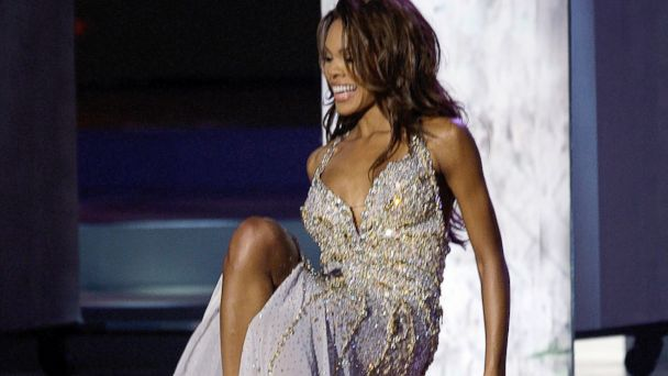 PHOTO: Crystle Stewart, Miss USA fell down during the evening gowns segment of the Miss Universe 2008 beauty pageant in Nha Trang,Vietnam, July 14, 2008.