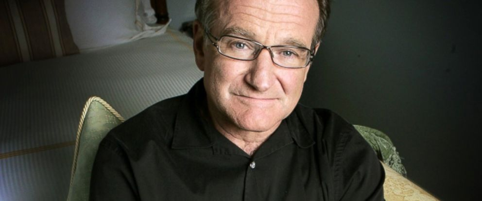 PHOTO: This June 15, 2007 file photo shows actor and comedian Robin Williams posing for a photo in Santa Monica, Calif.
