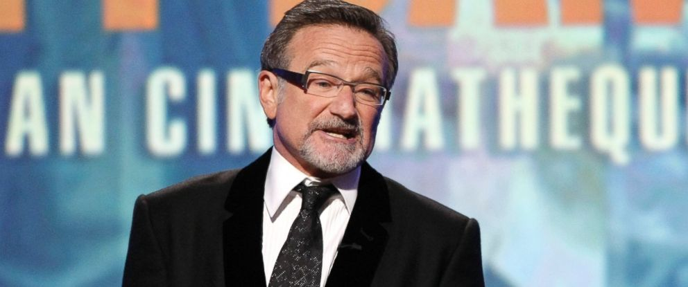 PHOTO: This March 27, 2010 file photo shows actor Robin Williams speaking at The 24th American Cinematheque Awards honoring Matt Damon in Beverly Hills, Calif.
