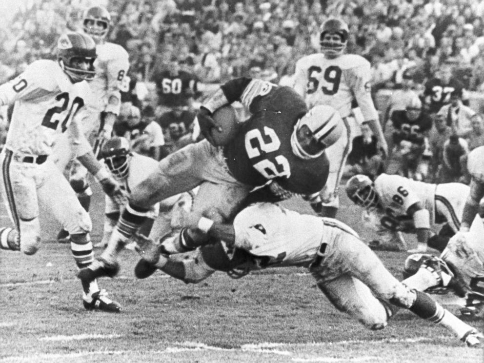 PHOTO: The Packers play Kansas City at the Super Bowl game in Los Angeles in this Jan. 15, 1967 file photo.