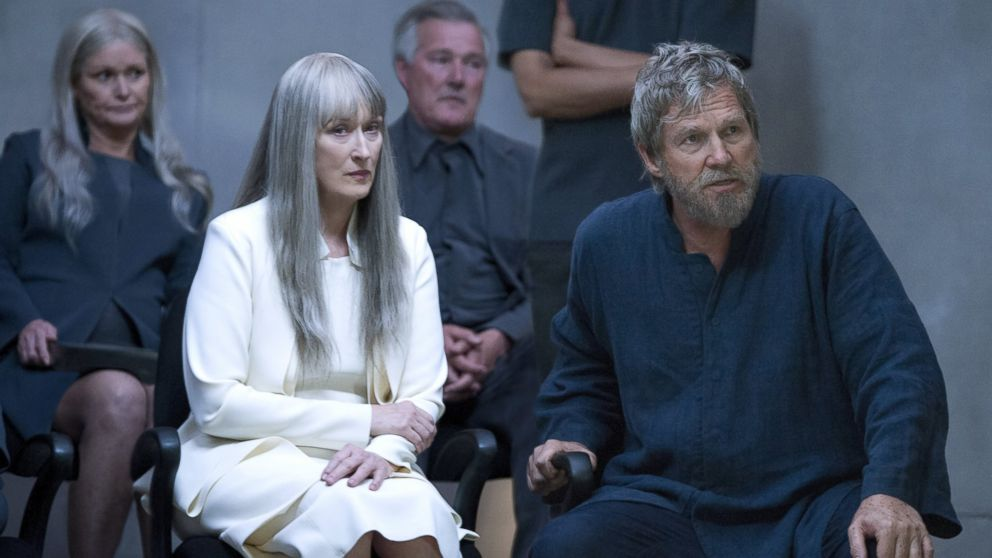 "PHOTO: Meryl Streep, left, and Jeff Bridges in a scene from ""The Giver."""