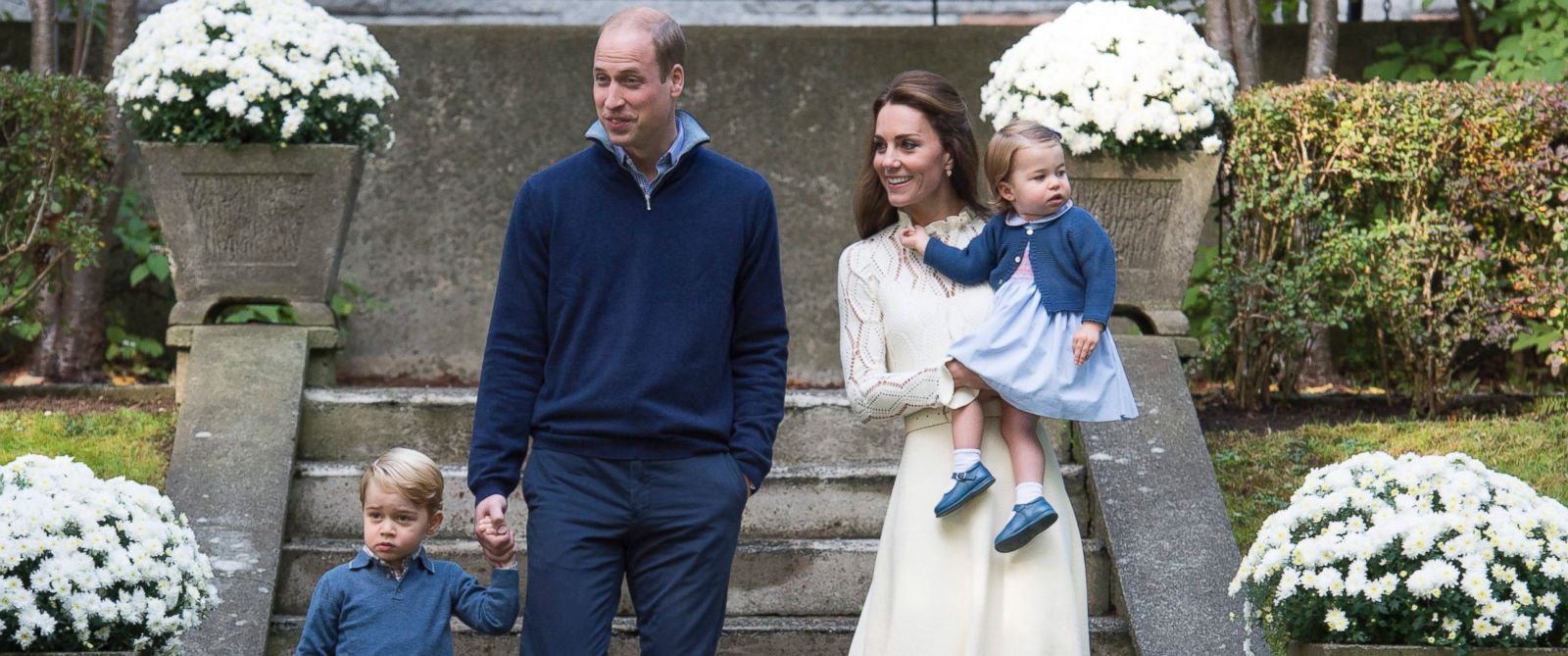 PHOTO: Britains Prince William, Catherine, Duchess of Cambridge and their children Princess Charlotte and Prince George attend a party at Government House in Victoria, Canada, Sept. 29, 2016.