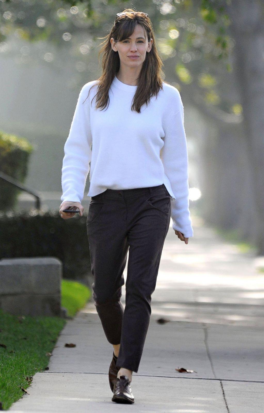 Jennifer Garner Goes Makeup Free Picture Celebrities