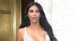 PHOTO: Kim Kardashian Takes Manhattan in a Lace Mini-Dress
