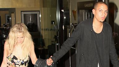 PHOTO: Singer Ashlee Simpson and Evan Ross hold hands as they leave the Sunset Marquis Hotel, July 1, 2013 in Hollywood, Calif.