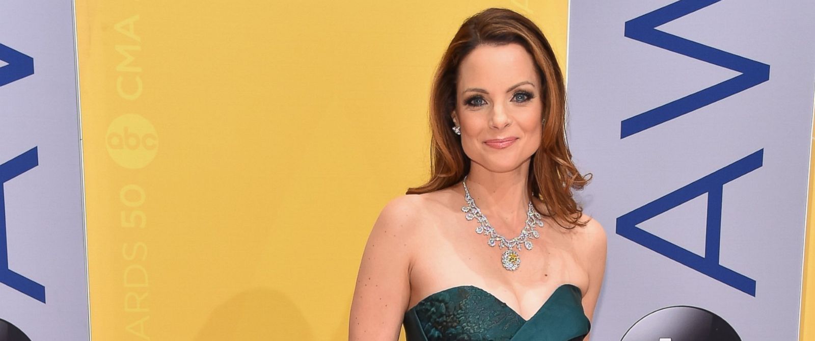 PHOTO: Actress Kimberly Williams-Paisley attends the 50th annual CMA ...