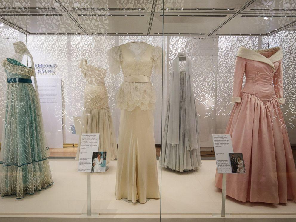 Princess Diana 39 S Fashion Style On Display At Kensington