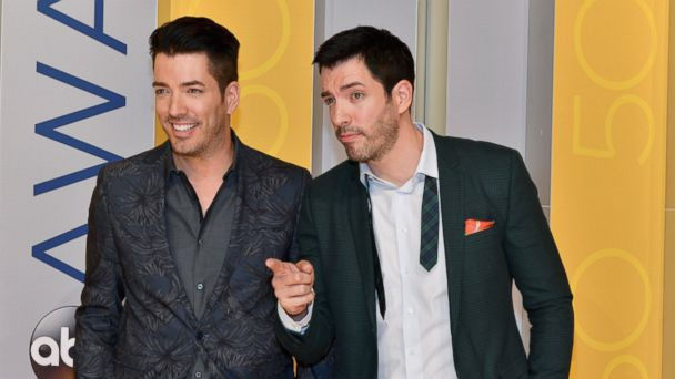 PHOTO: Property Brothers Jonathan Scott and Drew Scott attend the 50th annual CMA Awards at the Bridgestone Arena on November 2, 2016 in Nashville, Tenn