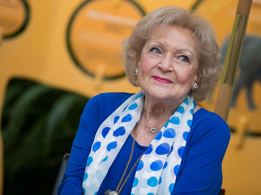 GTY-betty-white-jt-170117_4x3_992.jpg