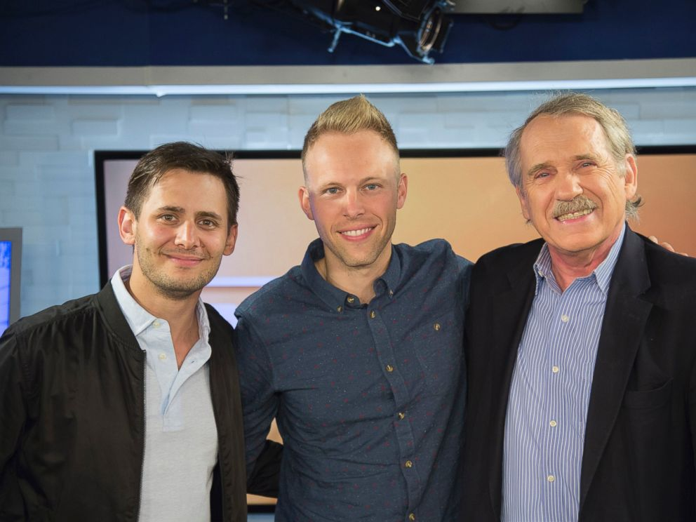 PHOTO: Benj Pasik and Justin Paul discuss their hit Broadway show Dear Evan Hansen on ABC News Popcorn with Peter Travers.