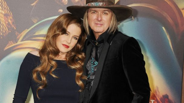 PHOTO: Lisa Marie Presley and musician Michael Lockwood arrive at the
