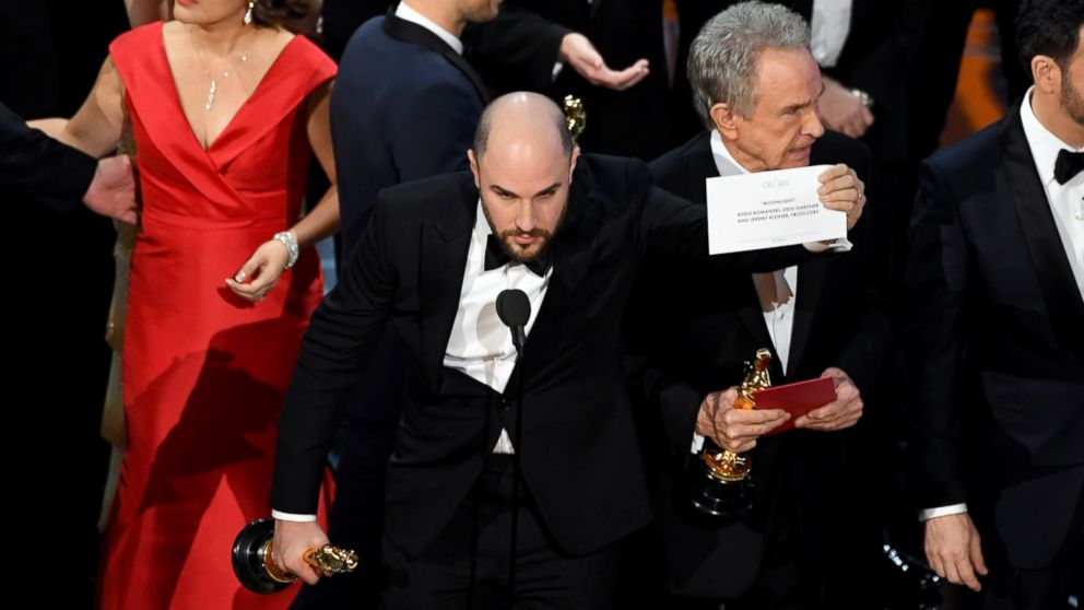 http://a.abcnews.com/images/Entertainment/GTY-oscars-best-picture-01-as-170226_16x9_992.jpg