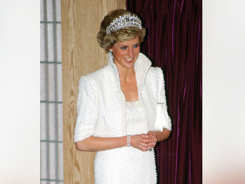 PHOTO: Diana, Princess of Wales wears the Elvis dress during a visit to the Culture Center in Hong Kong, Nov. 8, 1989.