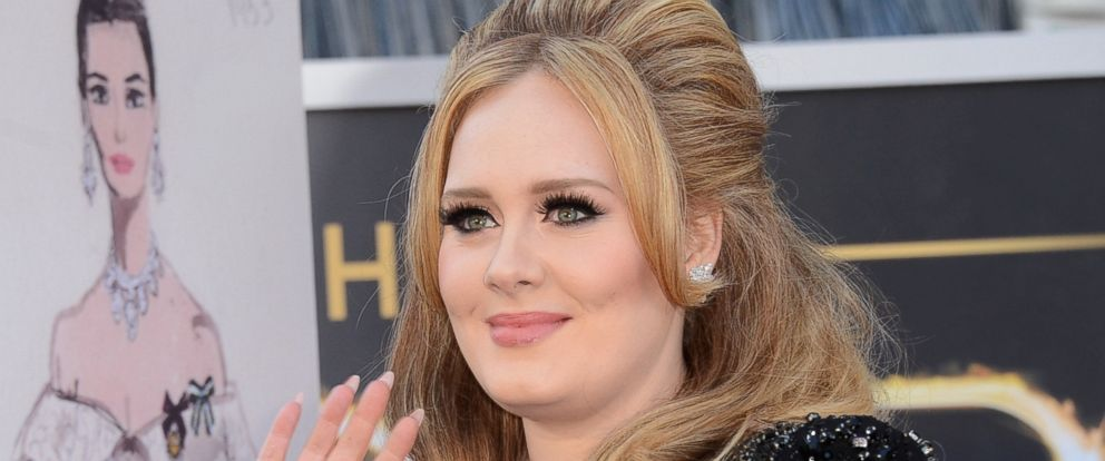PHOTO: Adele arrives at the Oscars at Hollywood & Highland Center, Feb. 24, 2013 in Hollywood, California.