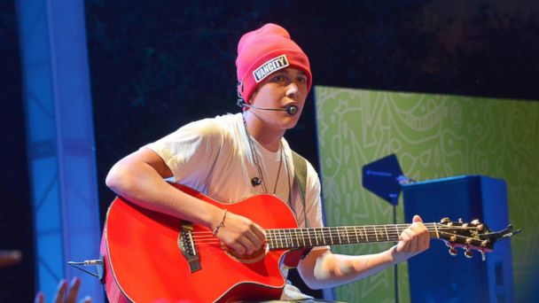 GTY Austin mahone ml 131106 16x9 608 Austin Mahone to Return to the Stage in First Performance Since Hospitalization