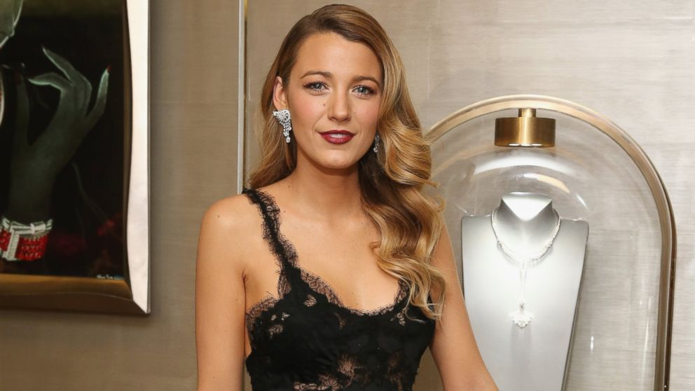 PHOTO: Actress Blake Lively attends the unveiling of Van Cleef & Arpels redesigned New York 5th Avenue Flagship Maison at Van Cleef & Arpels, Dec.10, 2013 in New York.