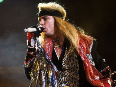 Bret Michaels Rushed Off Concert Stage After Medical Emergency