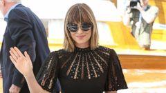 Dakota Johnson Hits Venice with a Chic Bob