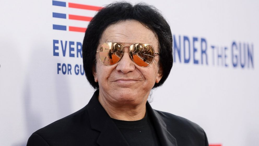 how tall is gene simmons