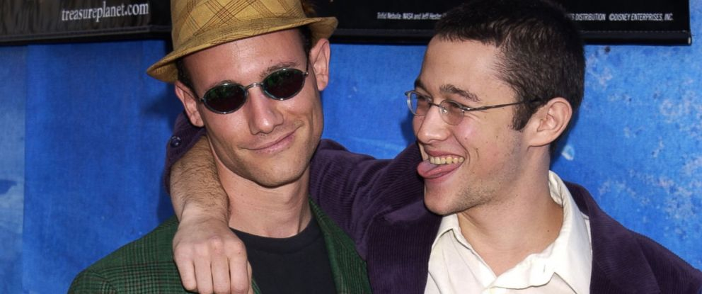 PHOTO: Joseph Gordon-Levitt and brother Dan are seen in this file photo, Nov. 17, 2002.