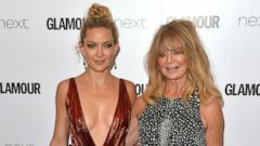 Kate Hudson and Goldie Hawn Share a Mother-Daughter Moment