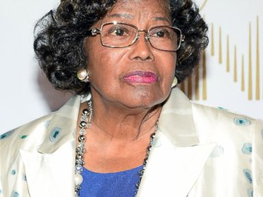 PHOTO: Katherine Jackson arrives at the world premiere of Michael Jackson ONE by Cirque du Soleil at THEhotel at Mandalay Bay, June 29, 2013, in Las Vegas.