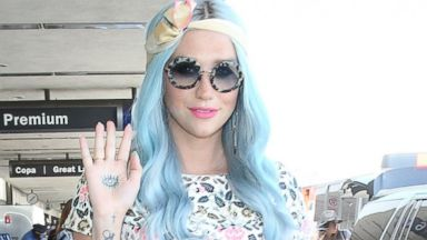 Whoa! Kesha Dyes Her Hair Light Blue
