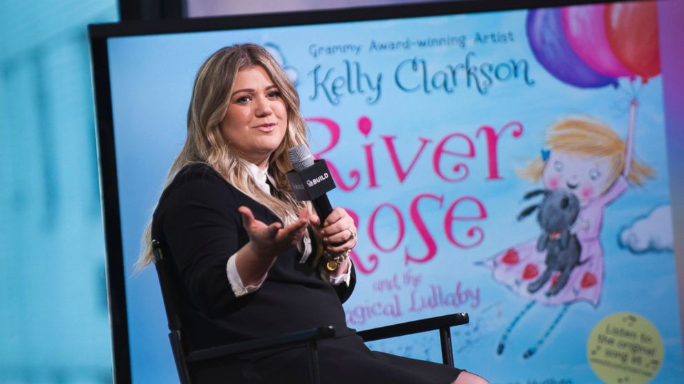 Kelly Clarkson apologises to jilted date