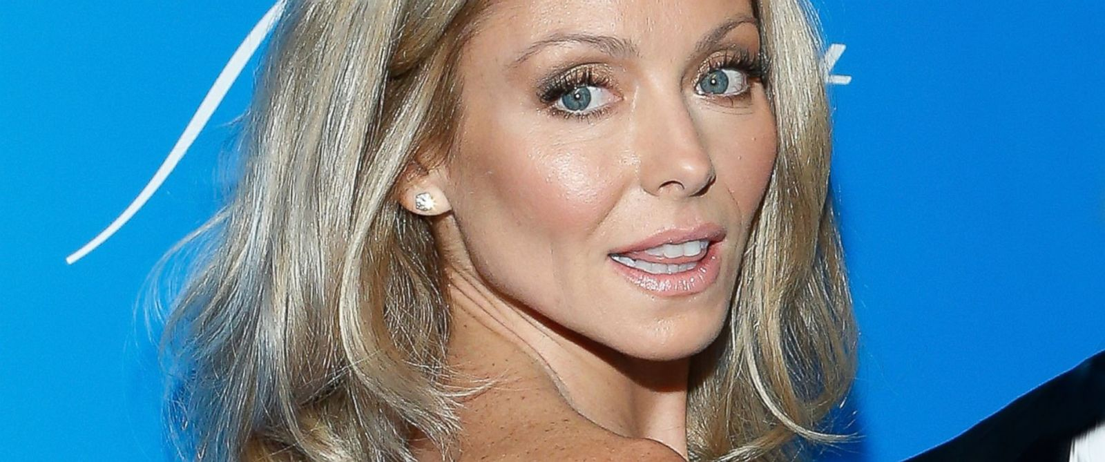PHOTO: Kelly Ripa attends sUNICEF Snowflake Ball 2012 at Cipriani 42nd Street on November 27, 2012 in New York City.