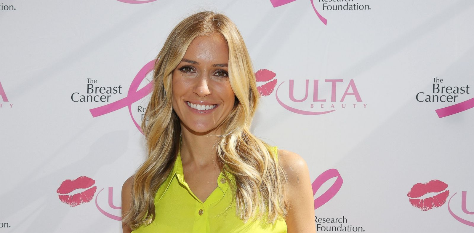 PHOTO: Kristin Cavallari stops by ULTA Beautys Kiss Kart to support the Breast Cancer Research Foundation at Pioneer Court, Oct. 10, 2013 in Chicago.