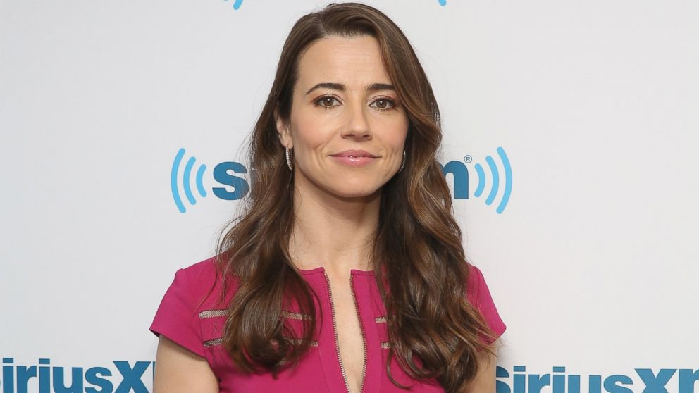 Why bloodline actress linda cardellini bought a bug suit