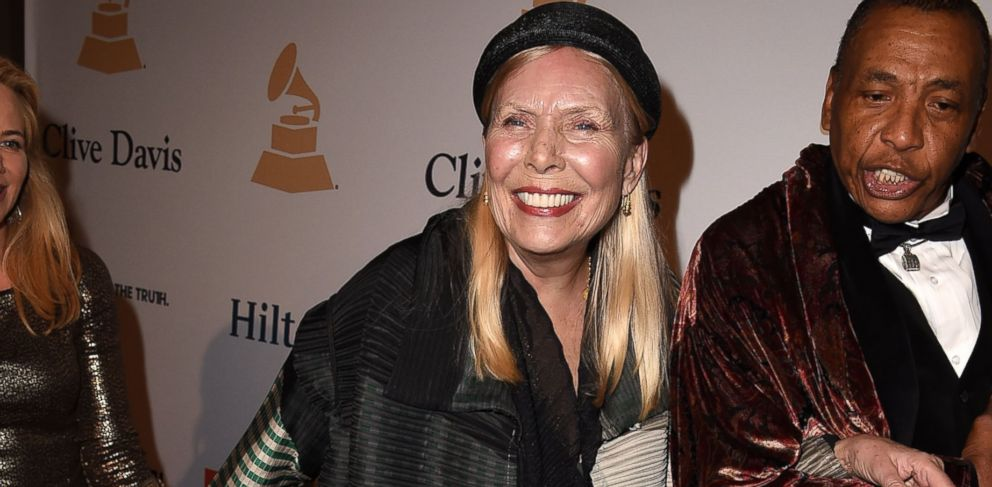 PHOTO: Joni Mitchell arrives at the Pre-Grammy Gala And Salute To Industry Icons Honoring Martin Bandier on February 7, 2015 in Los Angeles, California.