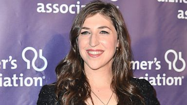 PHOTO: Actress Mayim Bialik