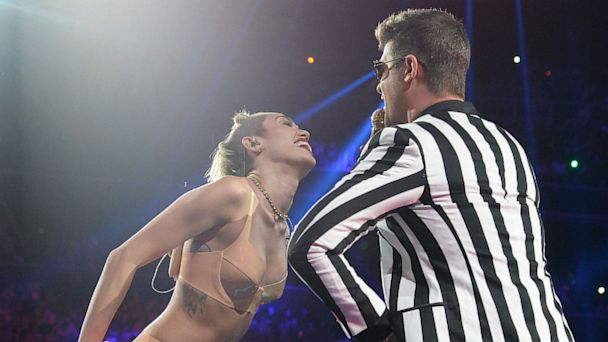 PHOTO: Robin Thicke and Miley Cyrus