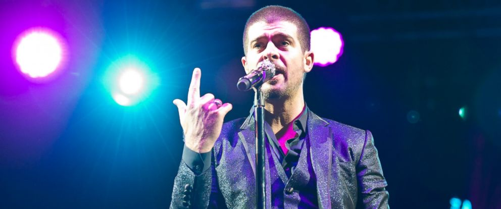 PHOTO: Robin Thicke performs on stage at Wireless Festival at Finsbury Park, July 6, 2014, in London.