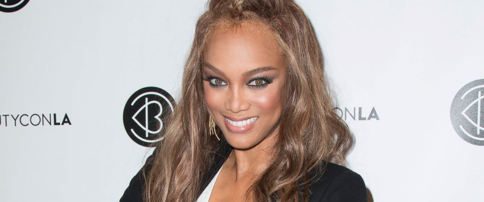 essays on tyra banks Tyra banks is no stranger to body criticism and in a new interview, the former sports illustrated swimsuit models reveals how her weight has.