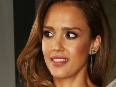 Photos: Johnny Knoxville Photobombs Jessica Alba