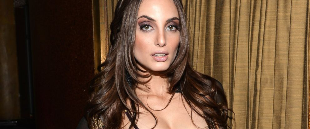 PHOTO: Alexa Ray Joel poses for a picture after she performed at Cafe Carlyle, April 1, 2014, New York.
