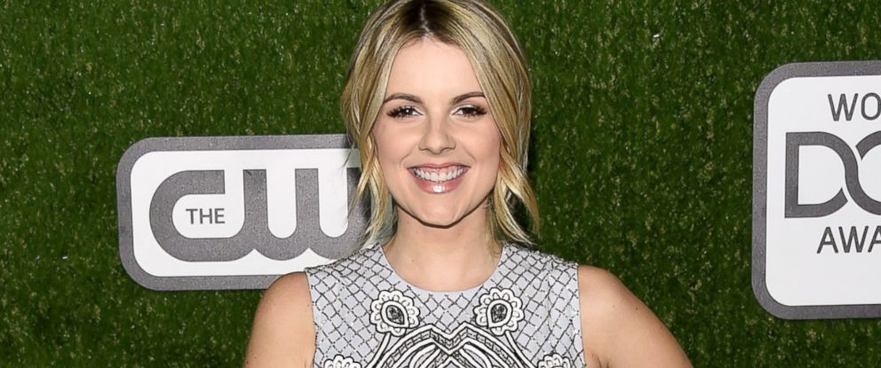 PHOTO: Ali Fedotowsky arrives at the 2016 World Dog Awards at Barker Hangar, Jan. 9, 2016, in Santa Monica, Calif.