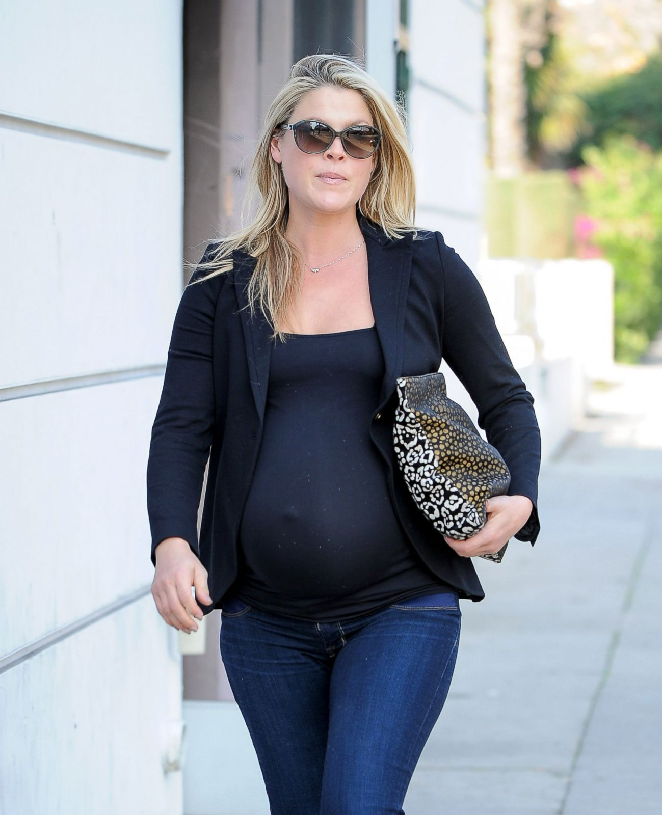 Pregnant Celebrities Show Off 3rd Trimester Baby Bumps in ...