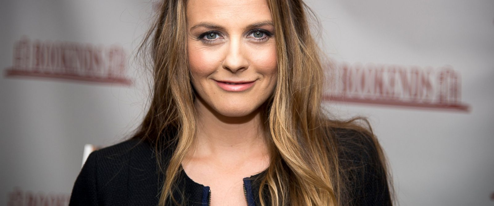 "PHOTO: Alicia Silverstone arrives to the book signing for her new book, ""The Kind Mamma,"" at Bookends Bookstore, April 14, 2014, in Ridgewood, N.J."