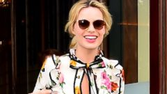 Margot Robbie Steps Out in Huge Platforms