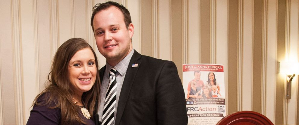 PHOTO: Anna Duggar and Josh Duggar pose during the 42nd annual Conservative Political Action Conference (CPAC) in National Harbor, Md., Feb. 28, 2015.